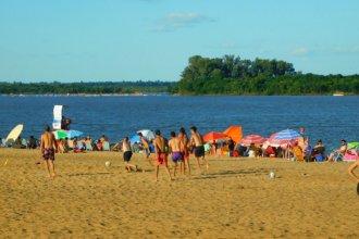 """Con Gesell en el tapete, en Colón admiten que """"es para analizar"""" lo del consumo de alcohol en playas"""