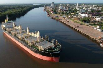 """Otro ultramarino en el puerto de """"La Histórica"""" cargará madera para China"""