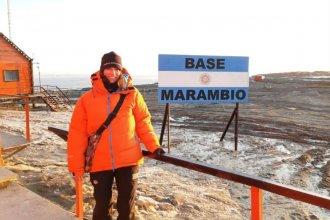 Investigadora entrerriana recorre la Antártida estudiando fósiles de pingüinos