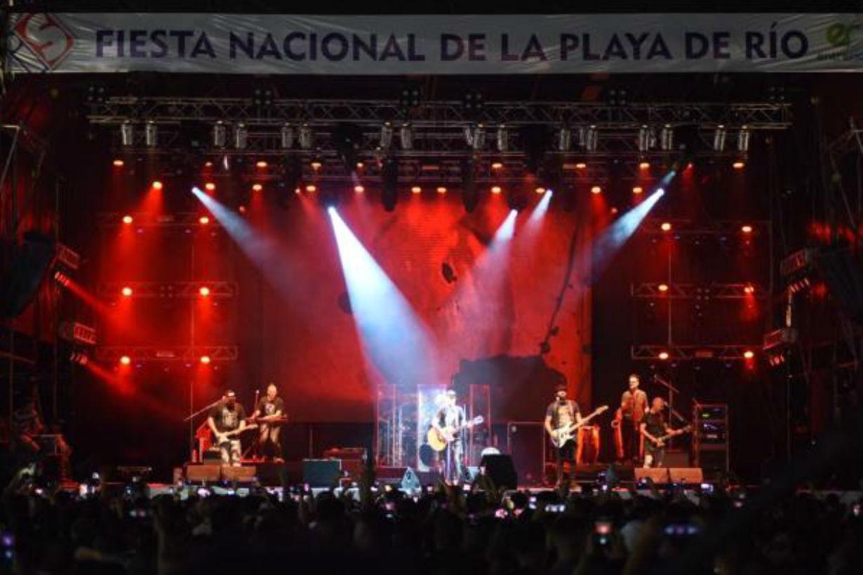 La Beriso cerró la tercera noche en Uruguay.