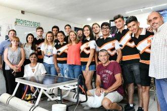 El gobierno provincial ayudará a los estudiantes que crearon un drone acuático para que compitan en México