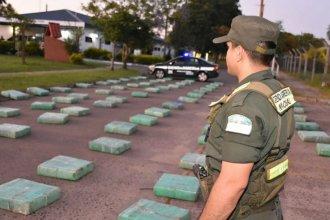 """En el puente """"San Martín"""" escanearon un camión que llevaba 2 mil kilos de marihuana"""