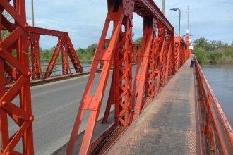 A un mes de recibirse de policía, evitó que una mujer se arroje al río desde un puente