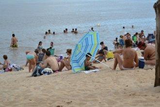 Ante la bajante del río, brindan recomendaciones a bañistas, usuarios y embarcaciones
