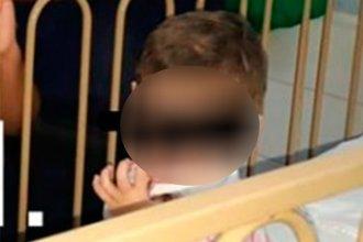Aunque no aparecieron los padres, el niño rescatado por la Policía quedó a cargo de un familiar