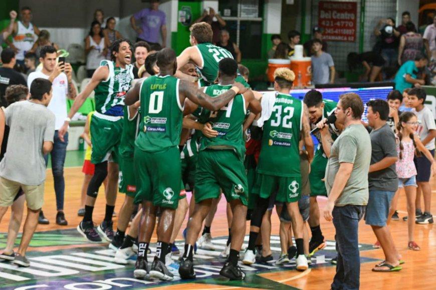 Todos juntos celebraron el triunfo.