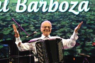 Con un homenaje a Alarcón Muñiz, Barboza cerró la fiesta a puro chamamé