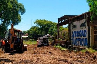 Demolición de la Escuela Normal: esperan terminarla antes del inicio de clases