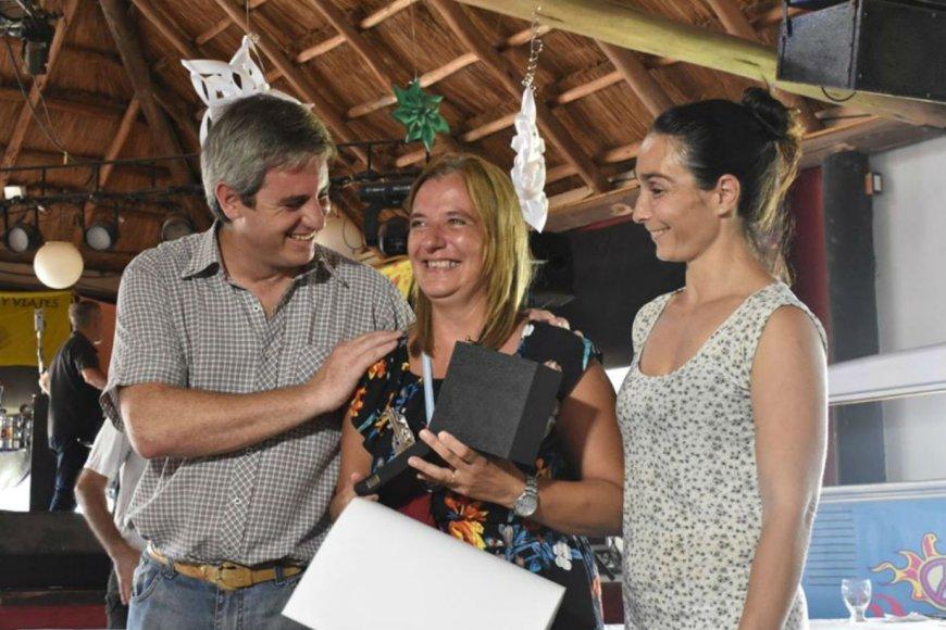 Dafne Lagrange recibió el premio Maestro Artesano.