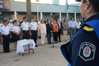 Fue de la primera promoción de mujeres policías y ahora asume como Jefa Departamental en San Salvador
