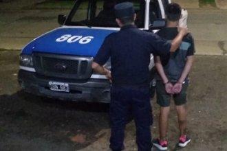 Fue detenido un joven que andaba por los techos con un cuchillo