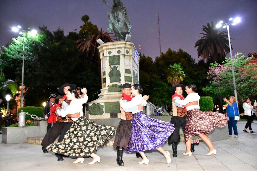 Danzas en el homenaje en Concordia