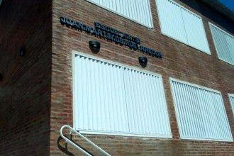 Pese al voto de la comunidad educativa y a una resolución del CGE, le pusieron otro nombre a la escuela