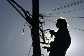 """Ofrecen trabajos clandestinos de """"enganche"""" para evitar el pago de la factura de luz"""