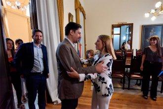 """¿Teléfono roto? ¿Con quién habla el ministro Trotta para que comiencen las clases """"sin problemas"""" en Entre Ríos?"""