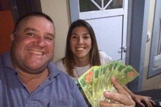Una mujer encontró 8 mil pesos y se los devolvió al jubilado que los había extraviado