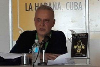 Autor entrerriano integró delegación nacional con varios peronistas que viajaron a Cuba para presentar sus libros