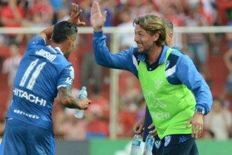 Heinze se despidió de Vélez que ganó 3 a 0, en una noche que hubo gol entrerriano