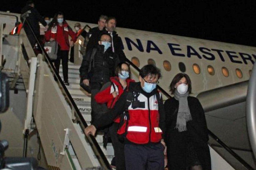 China envió suministros y profesionales a Italia.