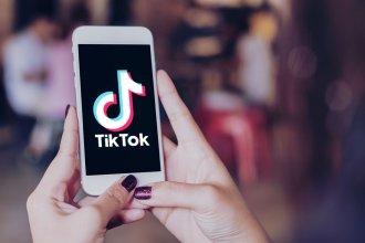 Para celebrar los 15 de su hija, político entrerriano se suma a la moda del Tik Tok
