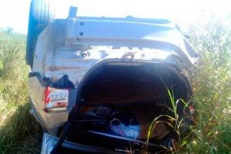 Viajaban a Entre Ríos en busca de un familiar, pero murieron al volcar el auto en el camino