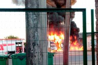 Dos camiones que estaban estacionados se incendiaron en Gualeguay