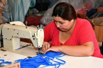 Siete cooperativas entrerrianas elaboran más de 35 mil barbijos y 2 mil camisolines y cofias