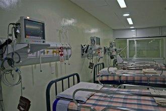 ¿Cuál es el nivel de ocupación de camas de terapia intensiva en la provincia?