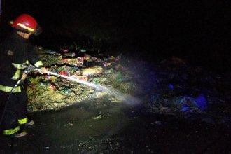 Un camión circulaba con alimentos hacia Concordia y se incendió en plena ruta