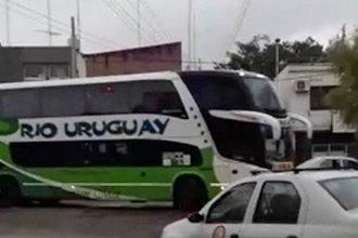 Aplicaron protocolo a un colectivo en la terminal de Paraná: traía tres pasajeras arribadas del exterior
