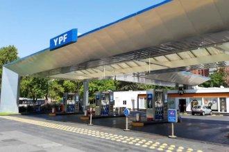 """Estaciones de servicio piden que ATER los exima de pagar impuestos: """"Las ventas de combustible cayeron un 90%"""""""