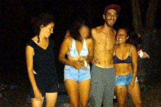 La cuarentena los encontró de viaje por Entre Ríos y ahora acampan a orillas del arroyo Urquiza