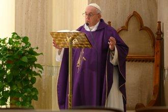 """El pedido del Papa Francisco a los comunicadores sociales: """"Ayuden a la gente a no sentirse aislada"""""""