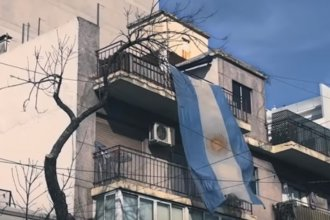 Con un video, invitan a colgar la bandera argentina en balcones y ventanas por los veteranos de Malvinas