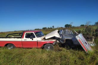 Tremendo impacto en un camino vecinal dejó a un conductor lesionado