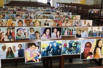 En un gesto de mutua compañía, cura entrerriano pegó fotos de sus fieles en los bancos del templo