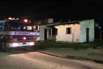 Durante un supuesto ajuste de cuentas, incendiaron una casa: habrían arrojado una bomba molotov