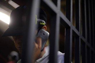 Con un protocolo de horarios y tiempo de uso, los internos de cárceles entrerrianas ya pueden usar celular