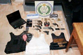 El narcomenudeo no sabe de cuarentenas: Detuvieron al capo de una banda y a un delivery de marihuana