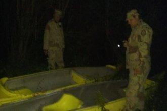 Dos piraguas que habían faltado de El Palmar, misteriosamente aparecieron escondidas entre la maleza