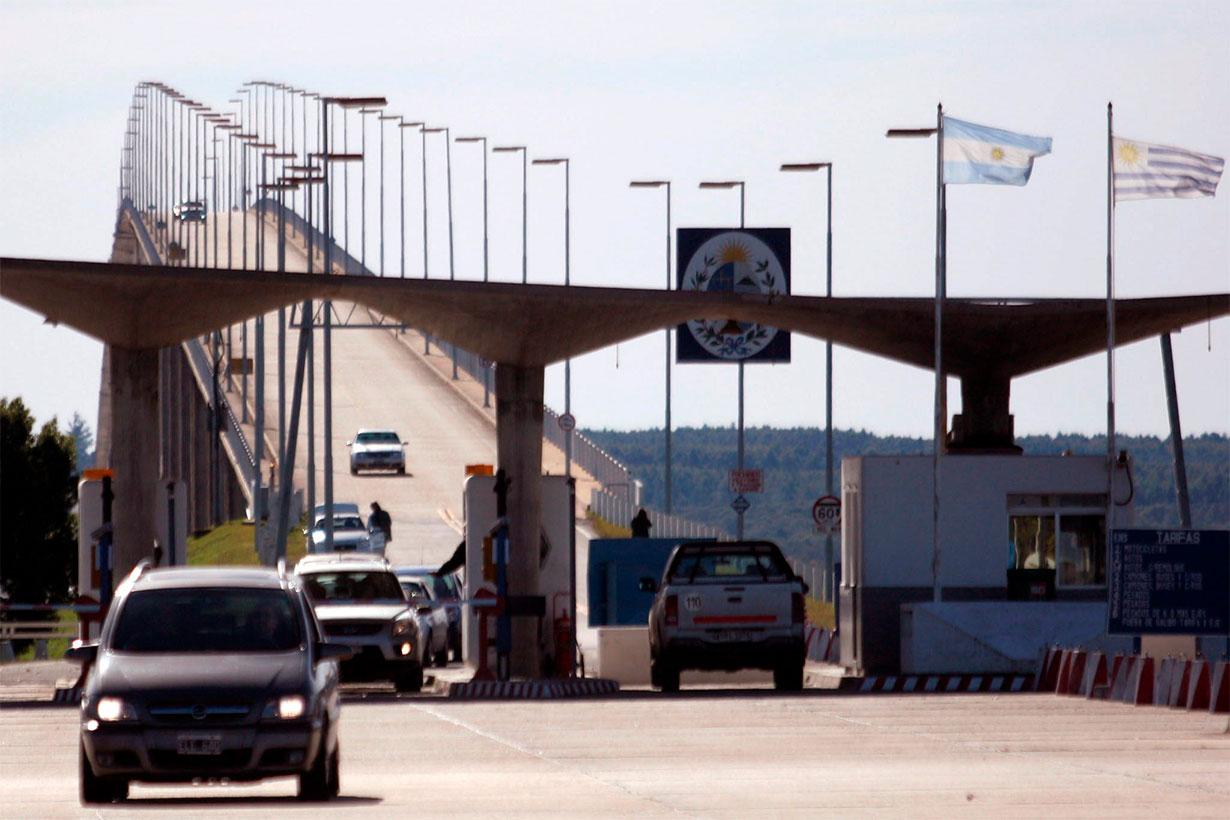 Regresó al Uruguay por el puente S. Martín