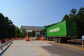 En qué horario podrá transitar el transporte de cargas por el puente de Salto Grande