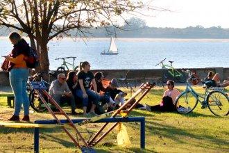 """El Uruguay ya no está tan solo: Con el mate y el termo bajo el brazo, """"volvieron a la costa"""""""