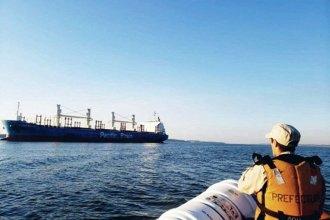 """Desencalló el """"Illovo River"""": el ultramarino retomó el recorrido rumbo al puerto de Ibicuy"""