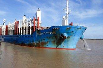 """El """"Illovo River"""" zarpó con casi 34 mil toneladas de madera con destino a China"""