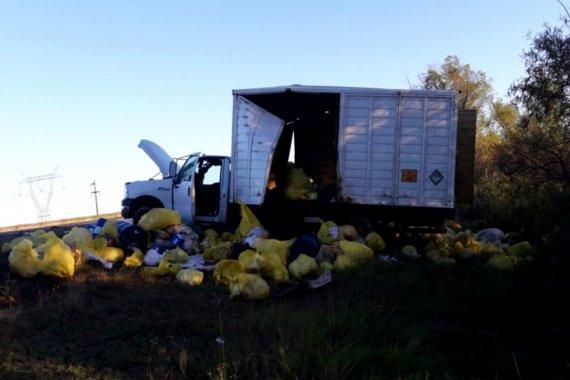 Camión que transportaba residuos sanitarios desde Buenos Aires volcó en ruta entrerriana