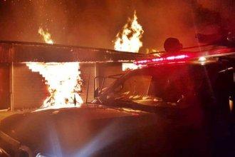 Incendio afectó a dos empresas de arándanos: bomberos trabajaron casi 10 horas para sofocar las llamas
