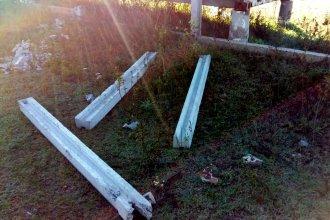Denunciaron destrozos y robo de columnas en predio del Club Estudiantes