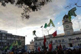 #NiUnaMenos: con carteles y barbijos, convocan a concentrar en Plaza Mansilla
