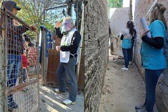 Casa por casa, realizan un operativo para detectar casos de coronavirus en barrios de la capital entrerriana